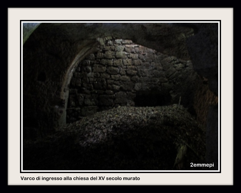 1-semiaingresso murato alla chiesa del Xv sec